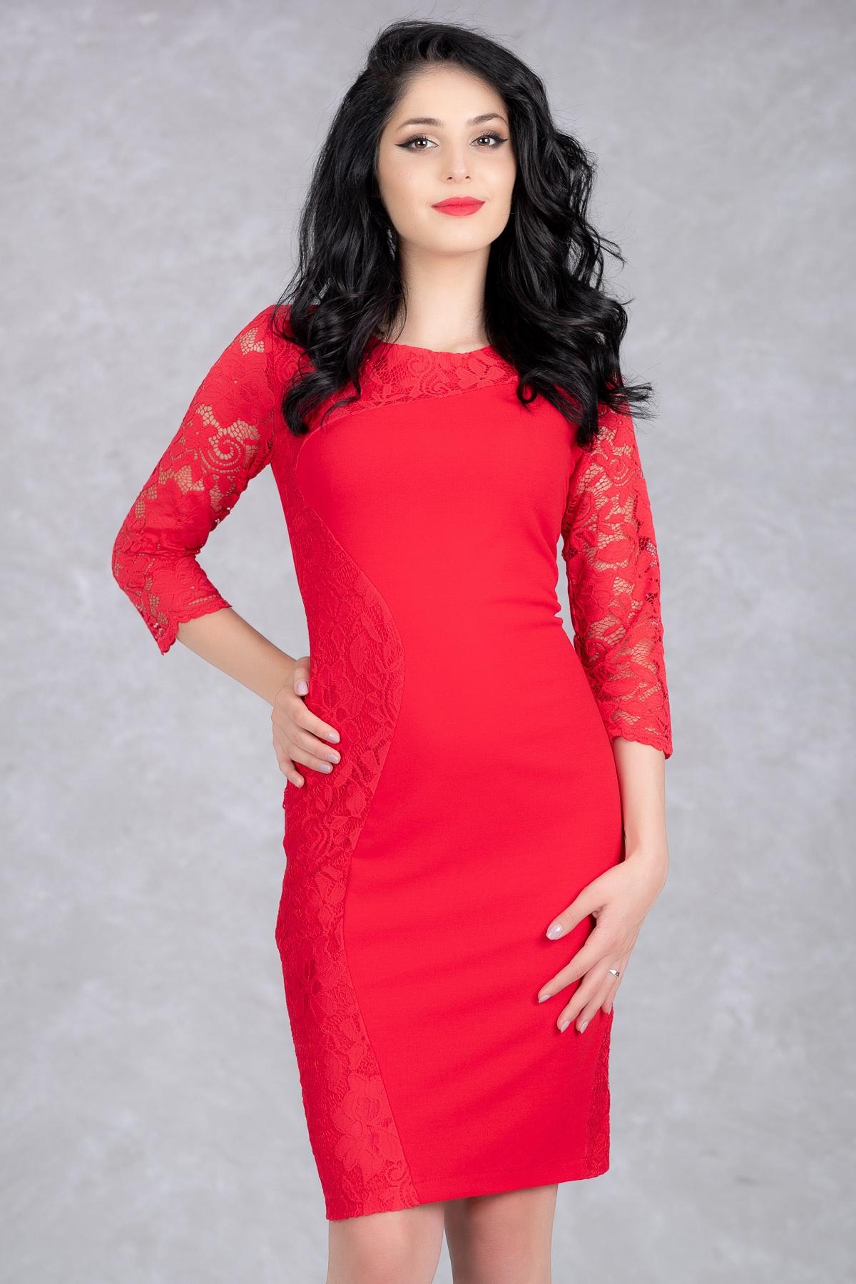 rochii-rosii-scurte-cu-dantela
